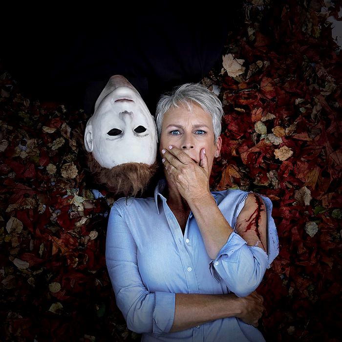 Jamie_Lee_Curtis_and_The_Shape_in_A_Publicity_Still_For_Halloween.png